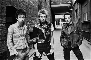 The Clash in an alleyway of Oxford Street, 1977