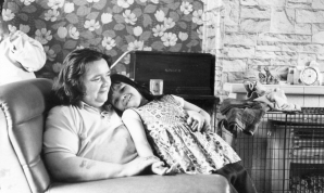 "Guardian: ""Lizzie Hodson and her mother at home, in 1974"""