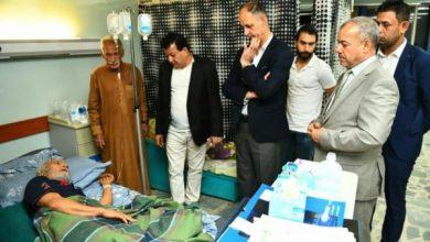 Photo of وزير الثقافة يتكفل بعلاج الفنان عامر توفيق   والأخير يصف الوزير بالرجل المناسب في المكان المناسب