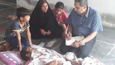 Photo of وزير العمل يوجه فريق الرصد الميداني بزيارة عائلتين فقيرتين في بغداد