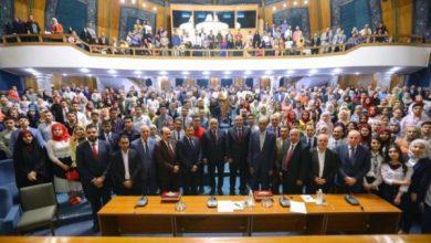 Photo of رئيس الوزراء يستقبل الطلبة الاوائل على العراق وذويهم.