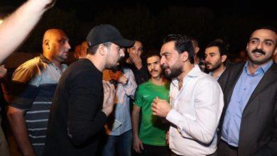 Photo of بالصور.. رئيس مجلس النواب محمد الحلبوسي يلتقي المتظاهرين في ساحة النسور ببغداد