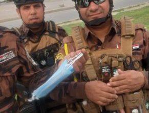 Photo of العمل توزع ٨ الاف كمامة بين القوات الامنية منحتها اياها السفارة الصينية في بغداد