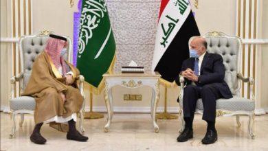Photo of وزير الخارجيّة يبحث مع نظيره السعوديّ سُبُل تعزيز التعاون الثنائيّ بين البلدين على مُختلِف الصُعُد