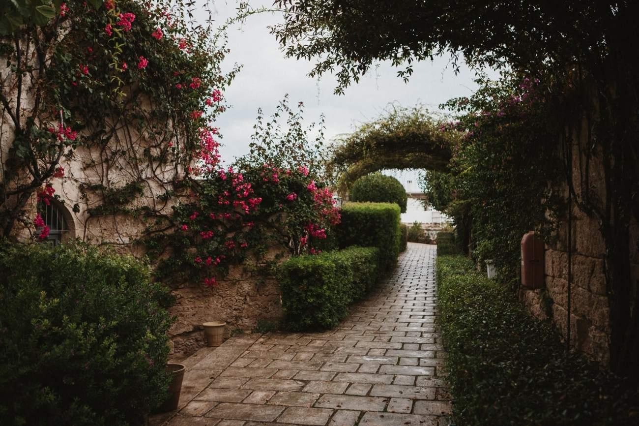 Puglia wedding venue with gardens