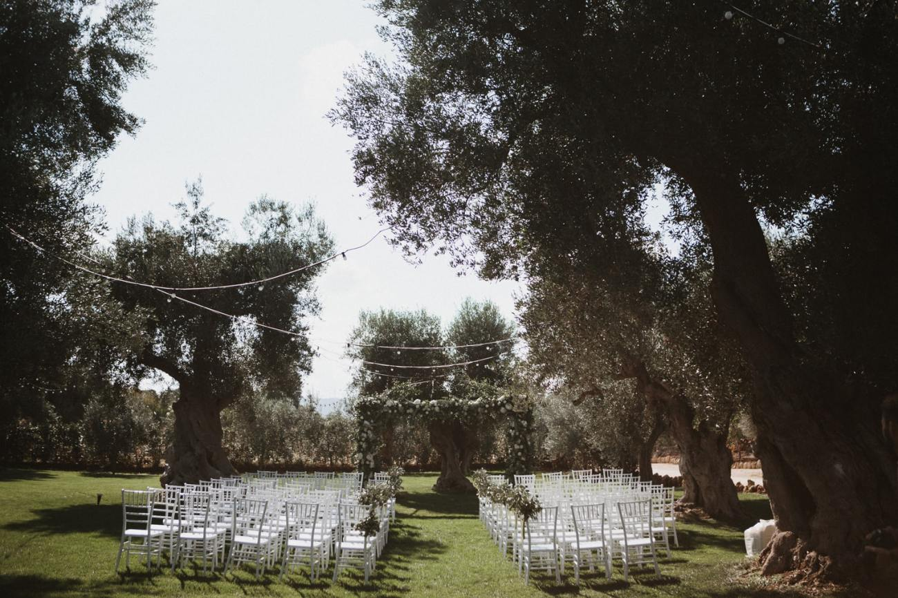 Outdoor ceremony in Puglia, Italy