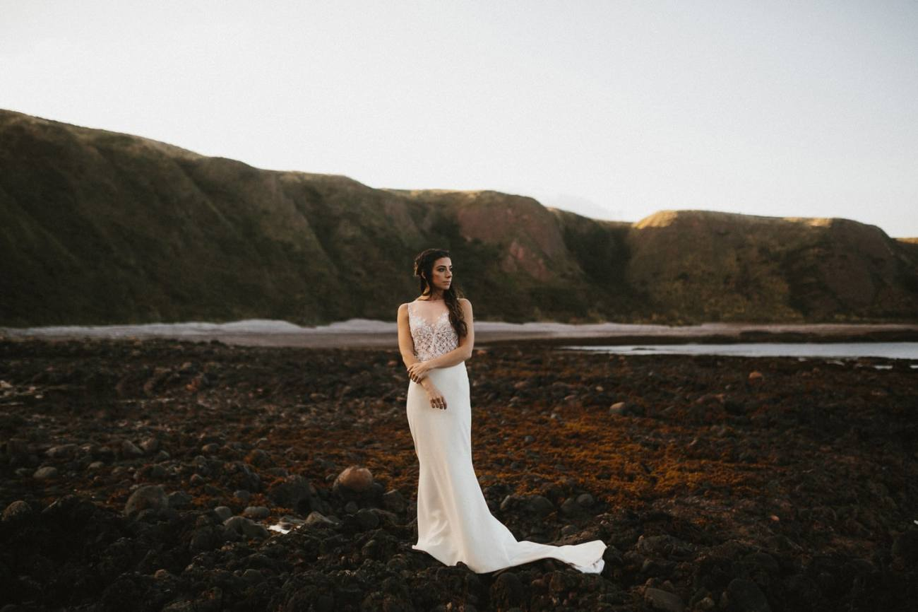 beautiful bride in scotland