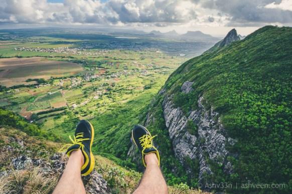 Hiking Pieter Both Mountain Mauritius - Crossed Feet
