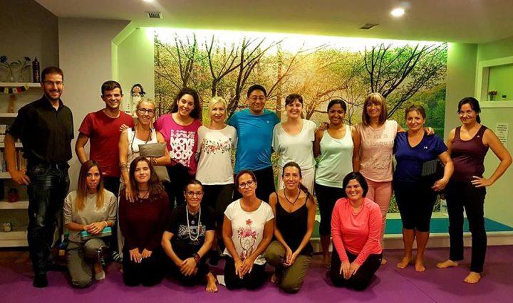 Clase de yoga en Respira7