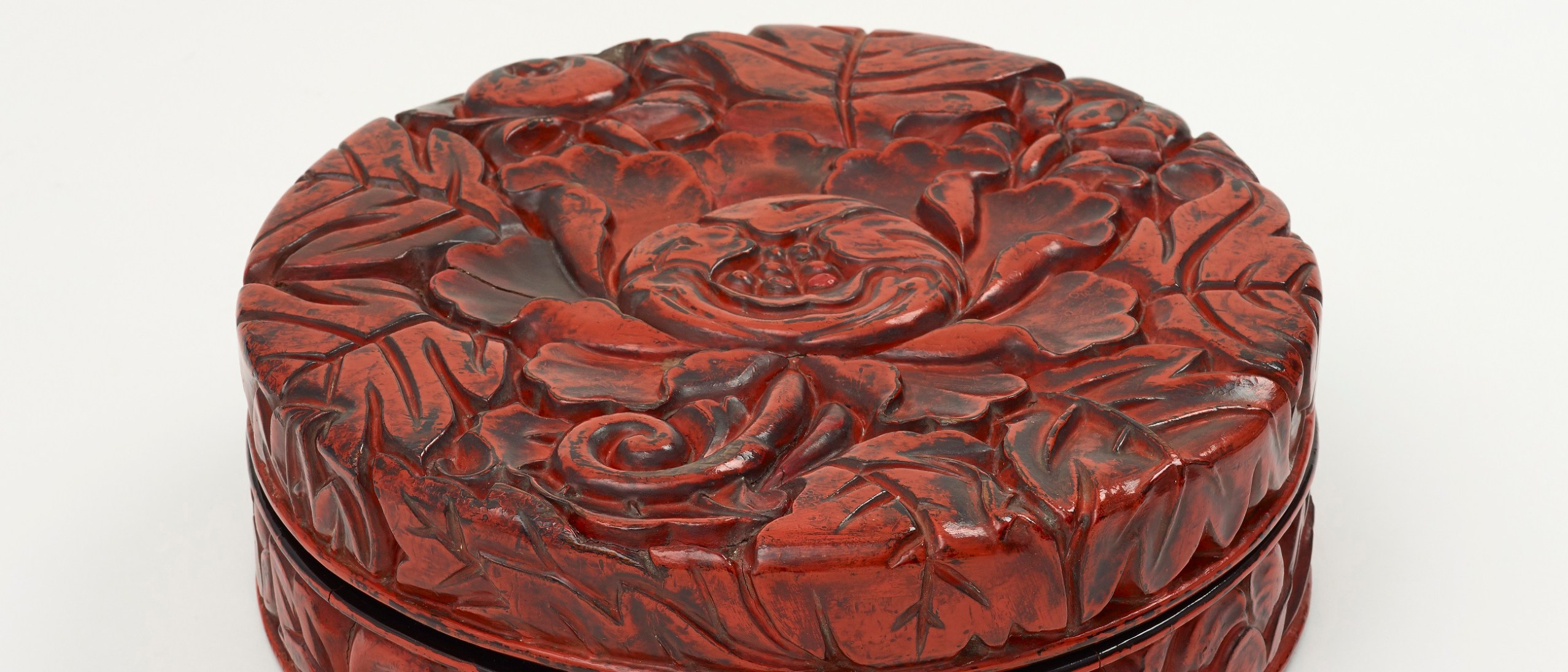 Detail image, Incense Box; Muromachi period, 15th century; Red and black lacquer on carved wood (Kamakura-bori); Freer Gallery of Art; F1967.9a-d