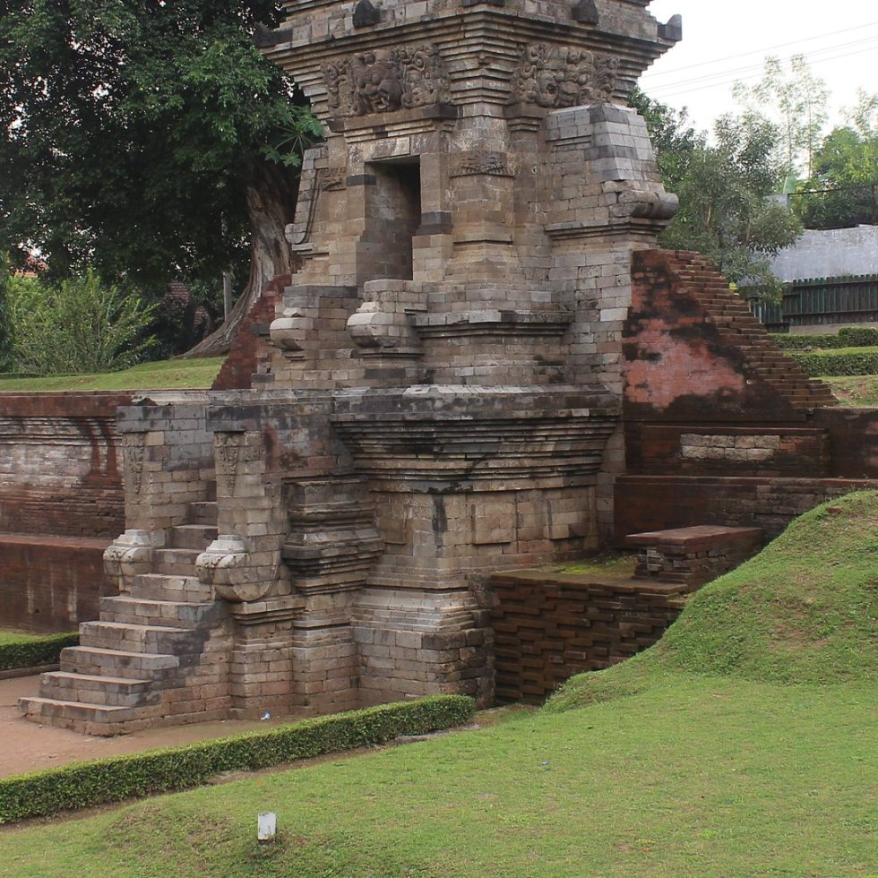 Main gate and remains of Candi Belahan (1049), East Java