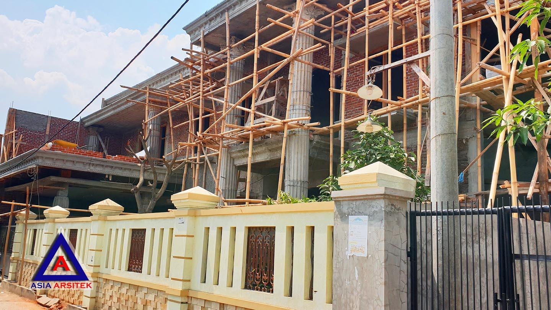 Foto Projek Desain Rumah Klasik/Classic Bu Iis Di Bandung