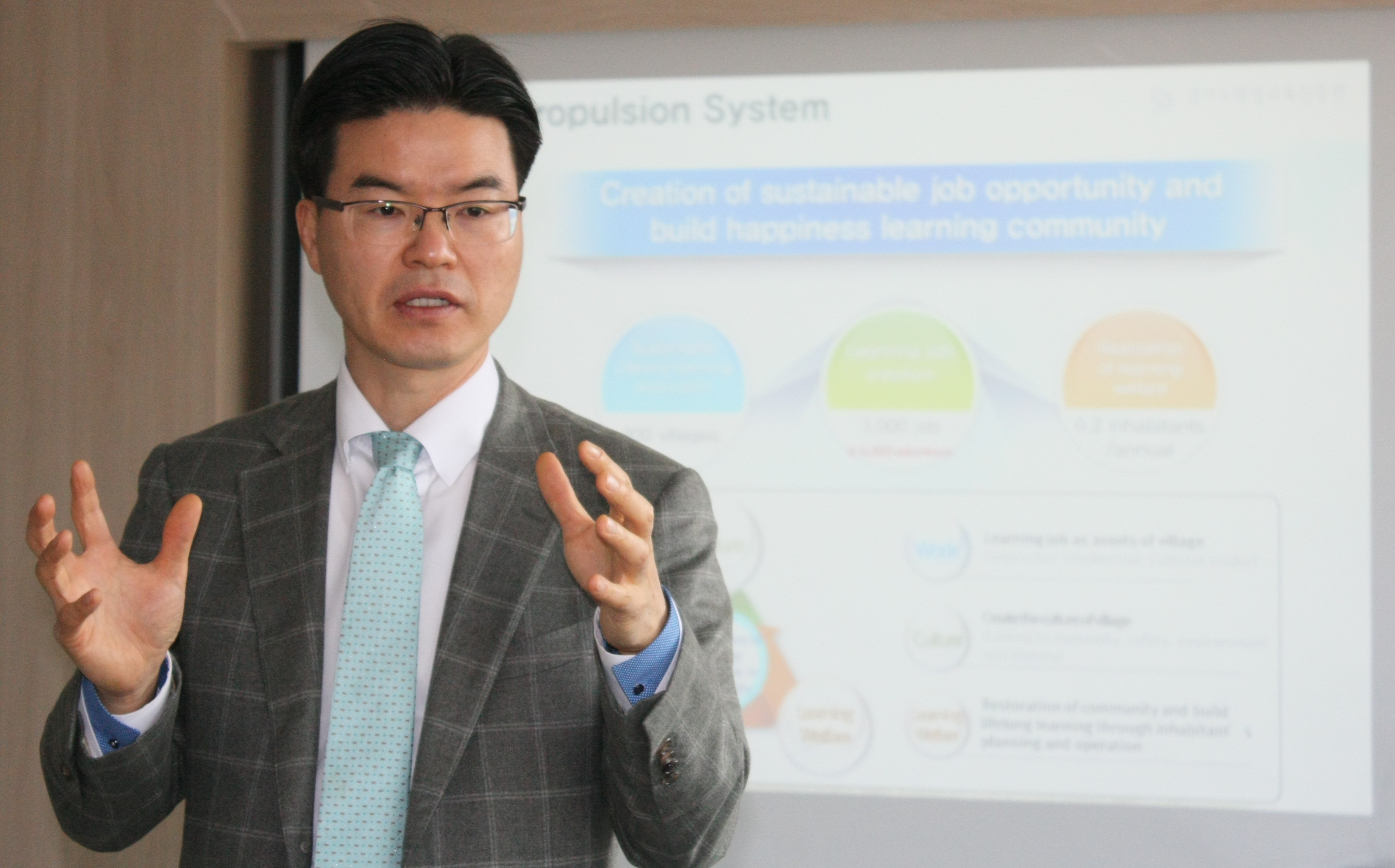 execom asiadhrra gyeonggi do south korea dr sung lee president of gyeonggi do provincial institute for lifelong learning gill and s vice chairperson for