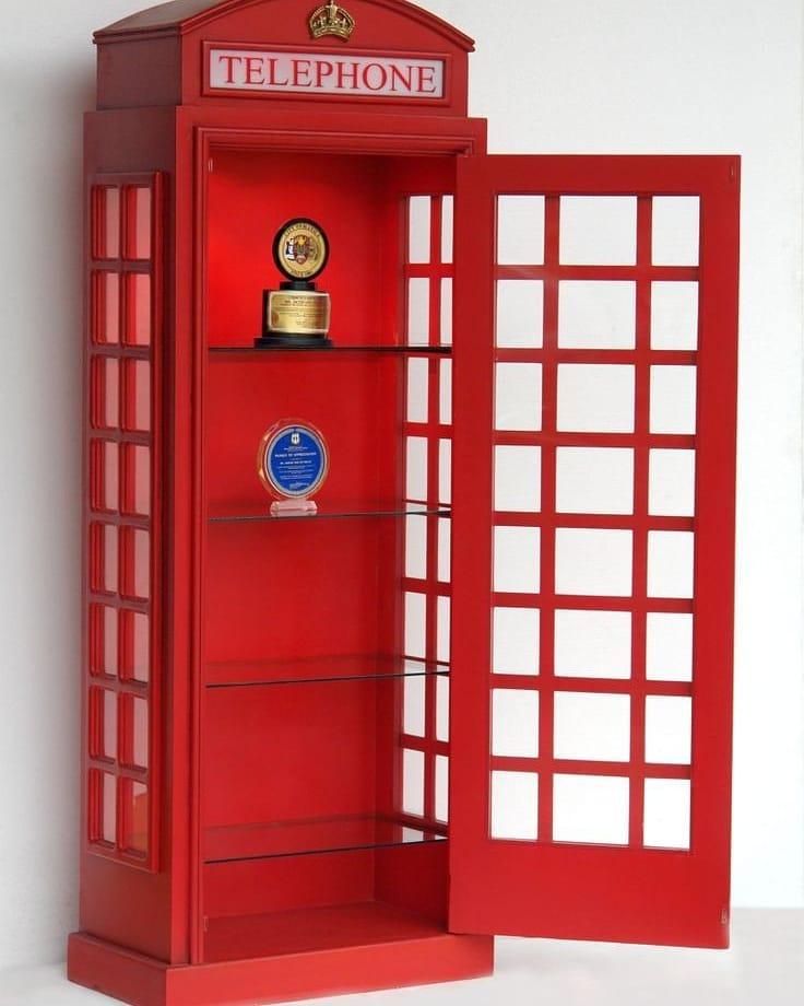 Lemari Pajangan Telephone Inggris