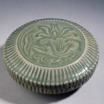 Small incense box of Yaozhou celadon, Northern Song dynasty (960-1127), Musée Cernusch