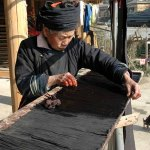 Wu Gaitian dyeing pleated skirt fabric
