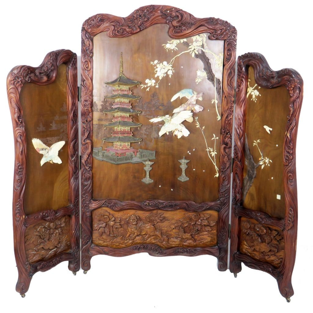 Superbly Carved Antique Japanese 3 Panel Folding Screen - Carved Antique Japanese 3 Panel Folding Screen