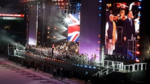 Narendra Modi at Wembley – entertainment spectacular Asian