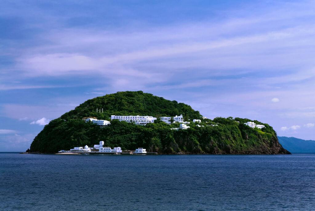 An Island Luxury Resort - Bellarocca Island Resort and Spa