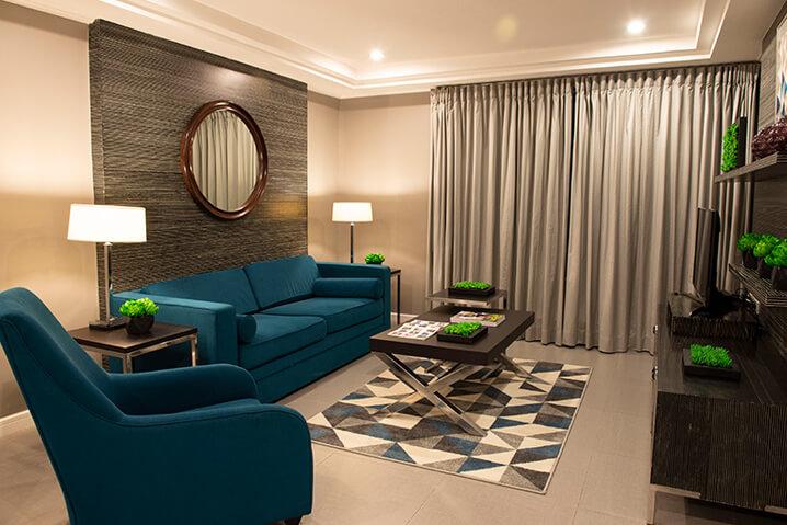 Astoria Plaza Suites Living Room