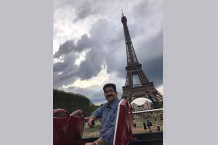 Paris is The Fashion Capital of The World Sandeep Marwah   Asian     Paris is The Fashion Capital of The World Sandeep Marwah