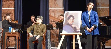 "Julieth Lozano (Serpina) singing ""A Serpina penserete"" to Jacob Bettinelli (Giorgio) backed by the Mascoulisse Quartet in La Serva Padrona at the Teatro Dom Pedro V in Macau on 30 March 2018"