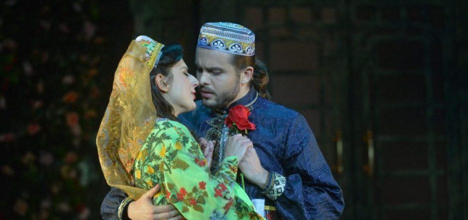 Megan Pachecano (Valenicienne) and Piotr Buszewski (Camille de Rossillon)