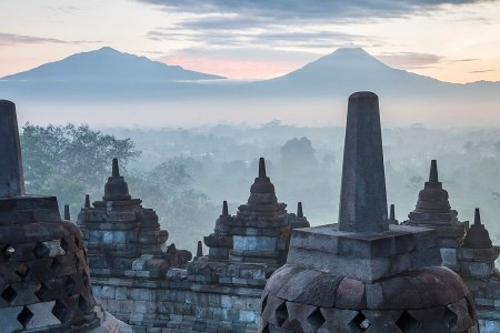 Borobudur (photo: CEphoto, Uwe Aranas, via Wikimedia Commons)