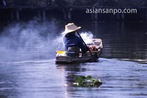 タイ バンコク・プラカノン運河・物売り船