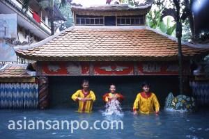 ベトナム ホーチミン・水上人形劇