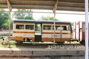 ミャンマー パコック駅の車の列車車両