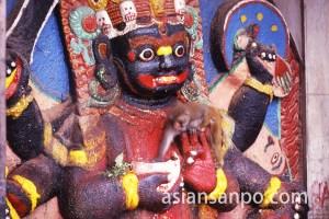 ネパール カトマンズのカーラ・バイラブ