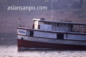 カンボジア クラチエ・コンポンチャム間・船