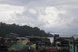 ミャンマー コータウン 雨
