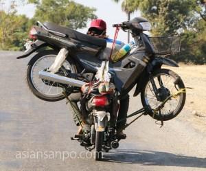 ミャンマー マンダレーーマグェ バイク