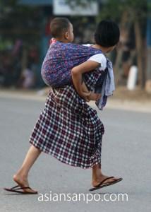 ミャンマー カタ 姉弟