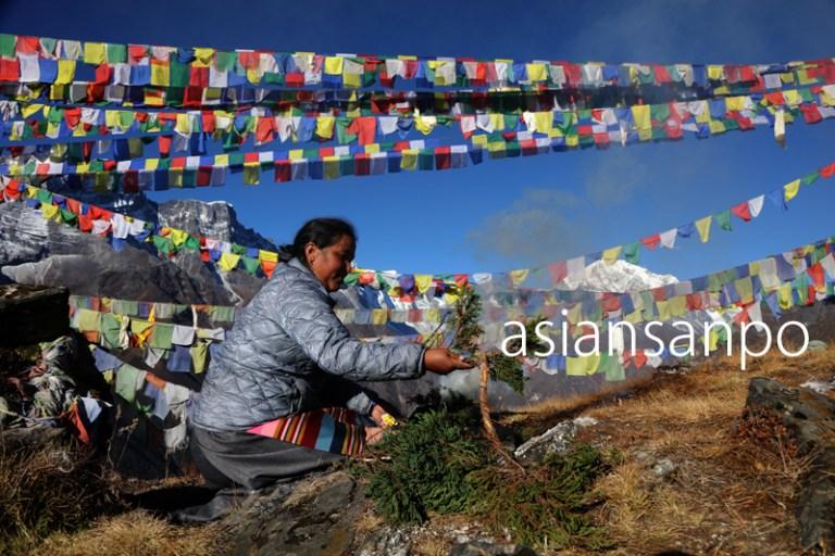 ネパール エベレスト街道 クンデ ルンタン