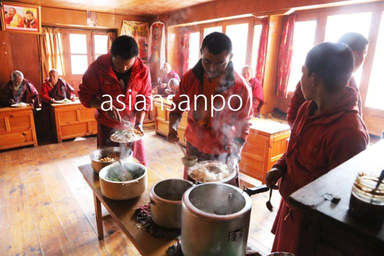 ネパール ターメ ゴンパ