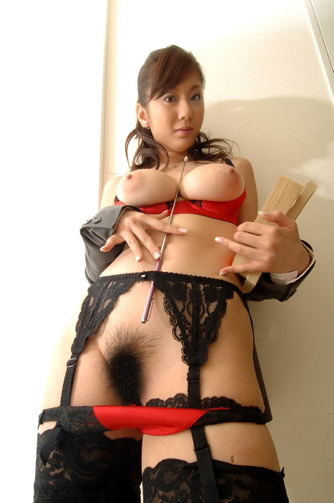 Japanese Girl With Huge Boobs And Very Hairy Pussy In Sexy -6251