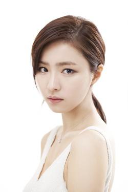 Shin Se-Kyung-p3.jpg