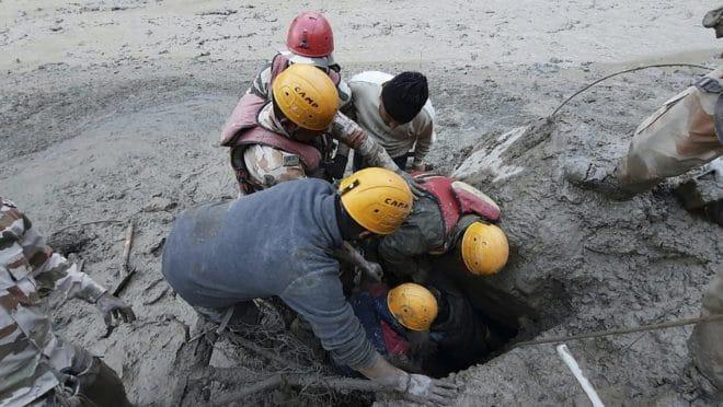 Read more about the article Colapso de geleira na Índia causa inundações e deixa mortos