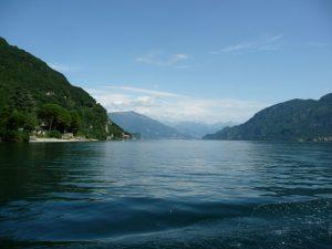 Jezioro Como i widok na góry