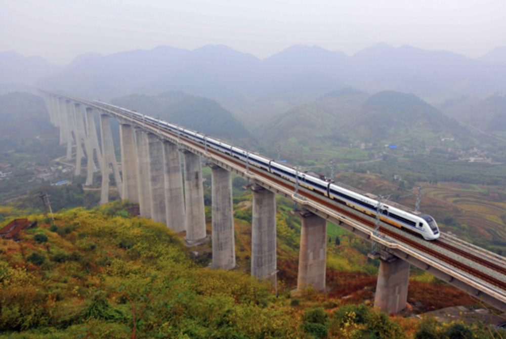 China-Bullet-Train-Highspeed-Railway-2013-Xinhua-e1550741792760