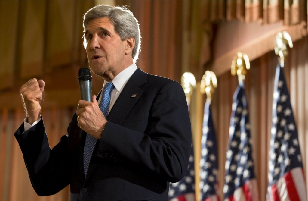 US Secretary of State John Kerry speaks to US Embassy staff while in Kuwait City on June 26, 2013. (AFP Photo/Jacquelyn Martin)