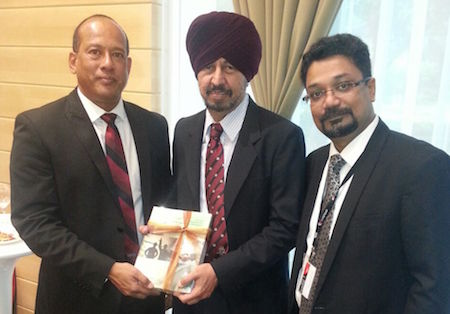 Harbans flanked by Prof Sundra (left) and Amitabh from Lexis Nexis at the book launch - PHOTO ASIA SAMACHAR