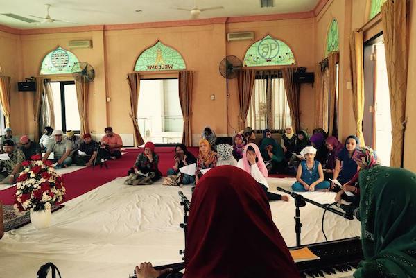 Religion teachers from Christian and Muslim schools visited Guru Nanak Gurdwara in Jakarta south.