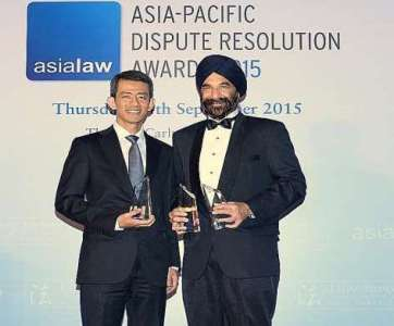 "Senior Counsel Davinder Singh (right) was named Singapore's ""Disputes Star of the Year"" at a Hong Kong event. Senior Counsel Cavinder Bull received Drew & Napier's awards. -- PHOTO: ASIALAW ASIA-PACIFIC DISPUTE RESOLUTION AWARDS 2015/ST"