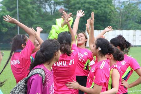 Team spirit ran high for some at theSNSM Holla Mahalla Games 2016 - PHOTO / SNSM