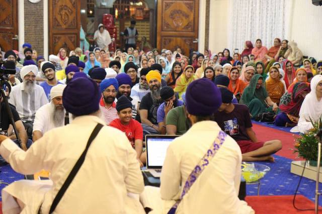 Paramjit Singh conducting a talk on Dasam Granth at the Akaal Ustat Semagam organised by the SGGS Academy at Gurdwara Sahib Titiwangsa, Kuala Lumpur on 22 April 2016. The programme continues for the next two days. - PHOTO / SGGS ACADEMY FACEBOOK