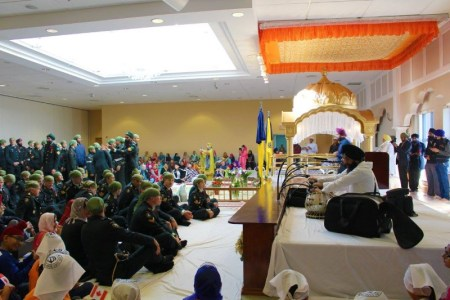 More than 200 members of 7th Toronto Regiment of the Royal Canadian Artillery made at Gursikh Sabha Canada in Scarborough for Remembrance Day on 6 Nov 2016 - PHOTO / Sikh Heritage Museum of Canada